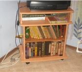 Foto в Мебель и интерьер Мебель для спальни Продам тумбу под телевизор. Цвет - светлый в Магнитогорске 2000
